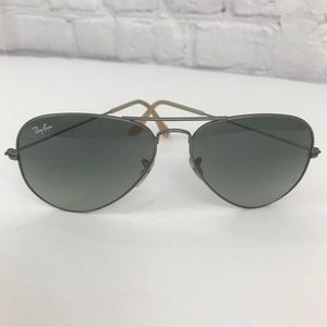 Ray-Bans Large Metal Aviator Sunglasses